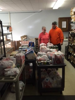 Summers Plumbing Heating & Cooling of Dayton Delivers Donations to the Feeding Friends Food Pantry